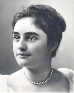 Mina Miller at about age 19