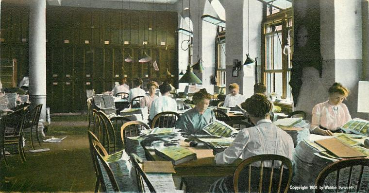Clerks examining newly-printed money at the U.S. Bureau of Engraving and Printing, 1904.