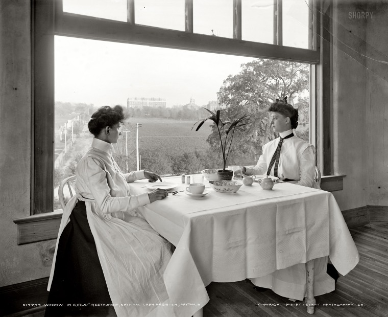 The ladies' lunch room at the National Cash Register Company, 1902.