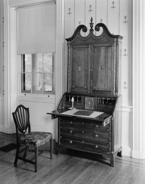secretary-desk_frances-benjamin-johnston-photographer-1929_from-the-library-of-congress