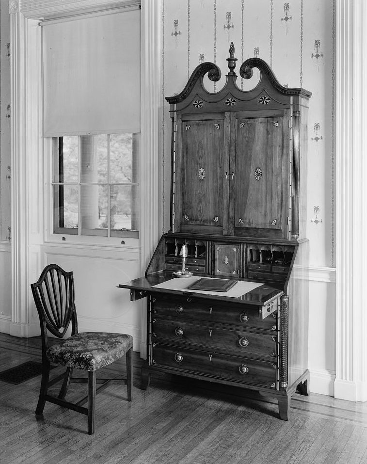 secretary-desk_frances-benjamin-johnston-photographer-1929_from-the-library-of-congress