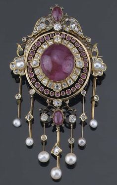 jewelry_diamond-sapphire-and-ruby-brooch-from-pinterest