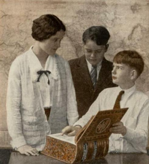 Teacher and students 1918