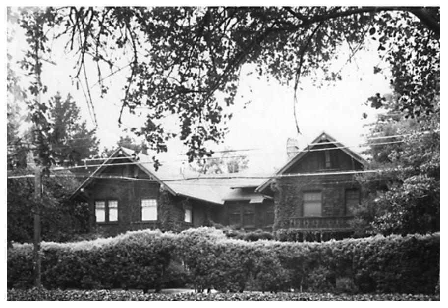 Black and white photo of Isabella's home in Palo Alto, California.