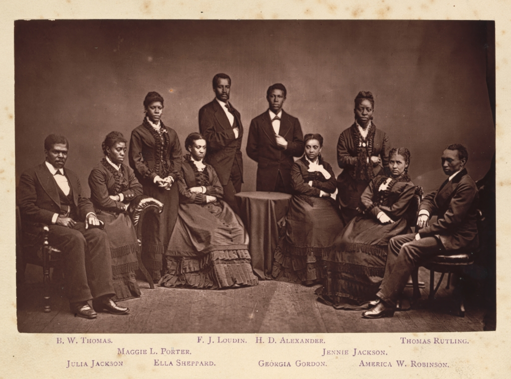 Photo of the Fisk Singers, six women and three men.